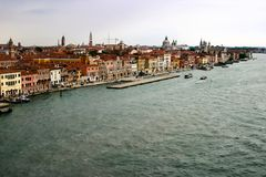 Satellietbeeld van Venetië met zijn kanalen stock afbeelding