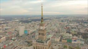 Satellietbeeld van Warshau dawntown, Paleis van Cultuur, Polen stock footage