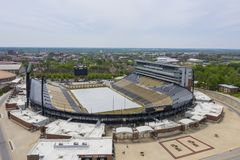 Satellietbeelden van Ross-Ade Stadium On The Campus van Purdue University stock fotografie