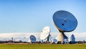 Satellit- maträtt - radioteleskop Fotografering för Bildbyråer