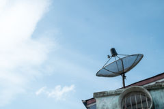 Satellit på taket Arkivfoton