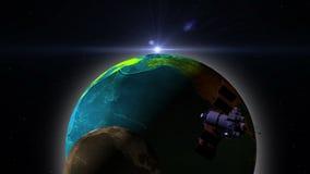 Satellite de télécommunication avec les panneaux solaires volant au-dessus de la terre illustration libre de droits