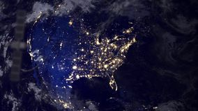 Satellite de télécommunication d'espion de surveillance au-dessus de l'Amérique du Nord illustration libre de droits