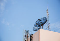 Satellite et antenne photos libres de droits