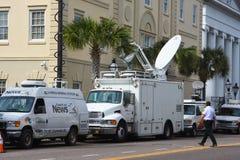 Satelliten-LKWs in Charleston, South Carolina Stockfotografie
