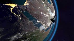 Satelliten svävar över araben arkivfilmer