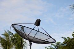 Satellitenschüssel-Antenne stockfotografie