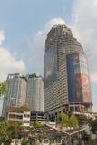 Sathorn独特的塔摩天大楼,曼谷 免版税库存照片
