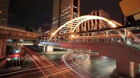 Sathorn-Narathiwas交叉点晚上视图  免版税图库摄影