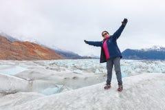 Satisfaction d'être sur le glacier de Viedma, patagonia, argentin Image libre de droits
