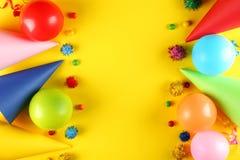 Sats för födelsedagparti med kopieringsutrymme arkivfoto