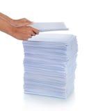 satt bunt för hand papper arkivfoto