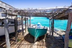 satt på land formentera för escalo för fartygcaloes ibiza Arkivbild