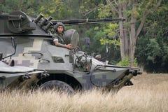 SATTAHIP, ΤΑΪΛΑΝΔΗ - 29 ΙΑΝΟΥΑΡΊΟΥ 2018: 8Ã-8-κυλιεισμένο τεθωρακισμένο όχημα μεταφοράς προσωπικό BTR 3E1 στην κάλυψη ζουγκλών te Στοκ φωτογραφία με δικαίωμα ελεύθερης χρήσης
