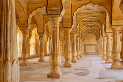 Sattais Katcheri Hall i Amber Fort nära Jaipur, Rajasthan, Indi Royaltyfri Bild