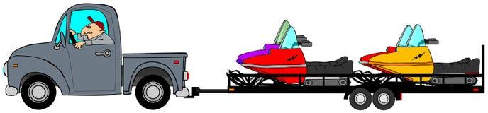 Sattelzugmaschine und Auflieger Schleppen von Schneemobil fahrung Stockbild
