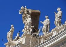 Satues i Vaticanen, Italien Arkivfoto
