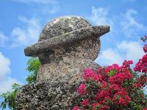 Saturn scolpito a Coral Castle, città di svago, Florida, U.S.A. Fotografia Stock Libera da Diritti