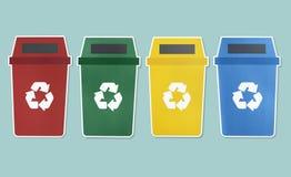 Satz Abfalleimer mit Recycling-Symbol lizenzfreie stockbilder