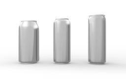 Satz Aluminiumdosen lokalisiert auf Weiß mit Beschneidungspfad Stockfotos