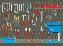 Satz Arbeitsgeräte in der Werkstatt Lizenzfreies Stockbild