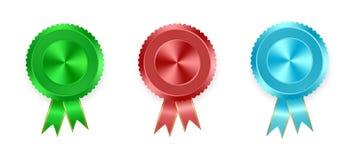 Satz Aufkleber grünen, rot und blau mit farbigen Bändern mit Goldband auf weißem Hintergrund Sammlung Weltmedaillen für winnin lizenzfreie abbildung