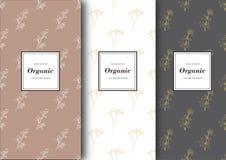 Satz Aufkleber, verpackend für organischen Shop oder Naturkosmetik Vektorblumenmuster mit Pastellfarben Stockfoto