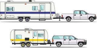 Satz Auto- und Reiseanhänger auf einem Weiß Stockfoto