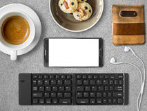 Satz beweglichen Büros Smartphones des digitalen Nomadejobs Lizenzfreies Stockbild