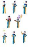 Satz Bilder des kleinen Clowns, der Geschenk, jonglierende Bälle, Lächeln gibt und rotes Herz hält und Geschenk mit Ballonen gibt Lizenzfreie Stockbilder