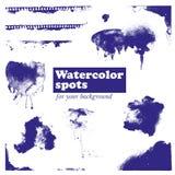 Satz blaue Aquarellstellen, auf einem weißen Hintergrund Lizenzfreies Stockfoto