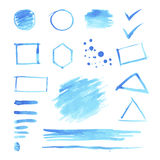 Satz blaue Aquarellstellen und geometrische Formen Stockfotografie