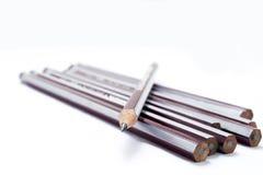 Satz Bleistifte mit einem geschärften Bleistift Stockfotografie