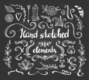 Satz Blumen, Pfeil, Feder und dekorative Elemente Stockfotos