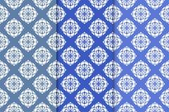 Satz Blumenverzierungen Vertikale blaue nahtlose Muster Lizenzfreie Stockbilder