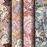 Satz bunte nahtlose Muster des Tracery Gebogene kritzelnde Hintergründe für Gewebe oder Druck mit mehndi und ethnischen Motiven Stockbild