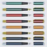 Satz colorfull Stifte mit Spitze nebeneinander lizenzfreies stockbild