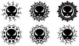 Satz Dekorationen mit dem stilisierten Schädel Stockfoto