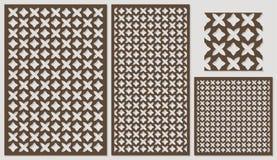 Satz dekorativen Plattenlaser-Ausschnitts eine Holzverkleidung Ethnisches nationales wiederholendes Muster von zwei Zahlen Stockfoto