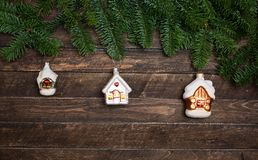 Satz der alten Weinlese spielt Häuser für Weihnachtsbaum an verzieren Lizenzfreie Stockfotografie
