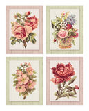 Satz der bedruckbaren Shabby-Chic-Stil-Blume der Weinlese vier auf Holz maserte Hintergrundrahmen lizenzfreie abbildung
