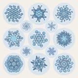 Satz der dreizehn Vektor-Linie Art Stroke Offset Geometric Blue-Schneeflocken-Form-Gestaltungselemente Lizenzfreies Stockfoto