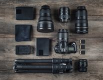 Satz der Kamera und der Fotografieausrüstungslinse, Stativ, filte Lizenzfreies Stockfoto