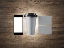 Satz der weißen Kaffeetasse, zwei Visitenkarten und Stockbilder