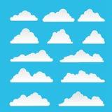 Satz der Wolke lokalisiert auf blauem Hintergrund Stockfotografie