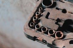 Satz des alten und rostigen Sockelschlüssels Stockfotografie