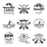 Satz des canoeing Logos der Weinlese lizenzfreie abbildung