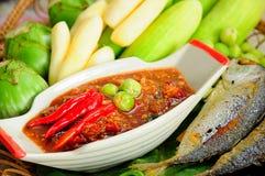 Satz des Chili-Sauce-Kochs über Garnelenpaste, THAILÄNDISCHE Lebensmittelkultur Stockfoto