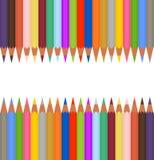 Satz des farbigen Bleistiftscharfen nebeneinander und der gegenüberliegenden Spitze und der Unterseite Der weiße Streifen der höl lizenzfreie abbildung