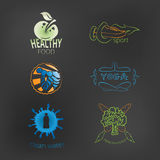 Satz des gesunden Lebensstils der Logos: gesundes Lebensmittel, Yoga, Eignung, cle Stockbild
